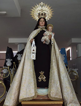 Trajes de semana santa a medida en Murcia